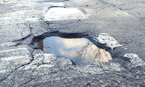 8 Signs That Your Car Has Pothole Damage