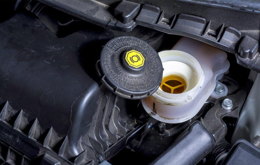 mark's-auto-spares-brake-fluid